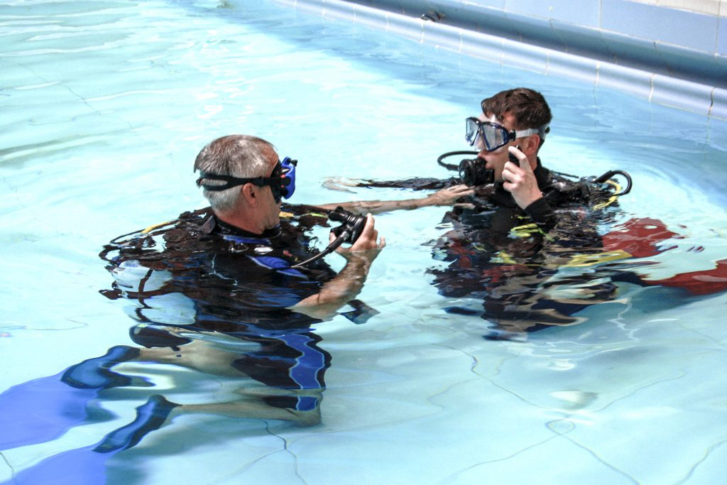 Learn to dive with Mansfield Seahorse Divers